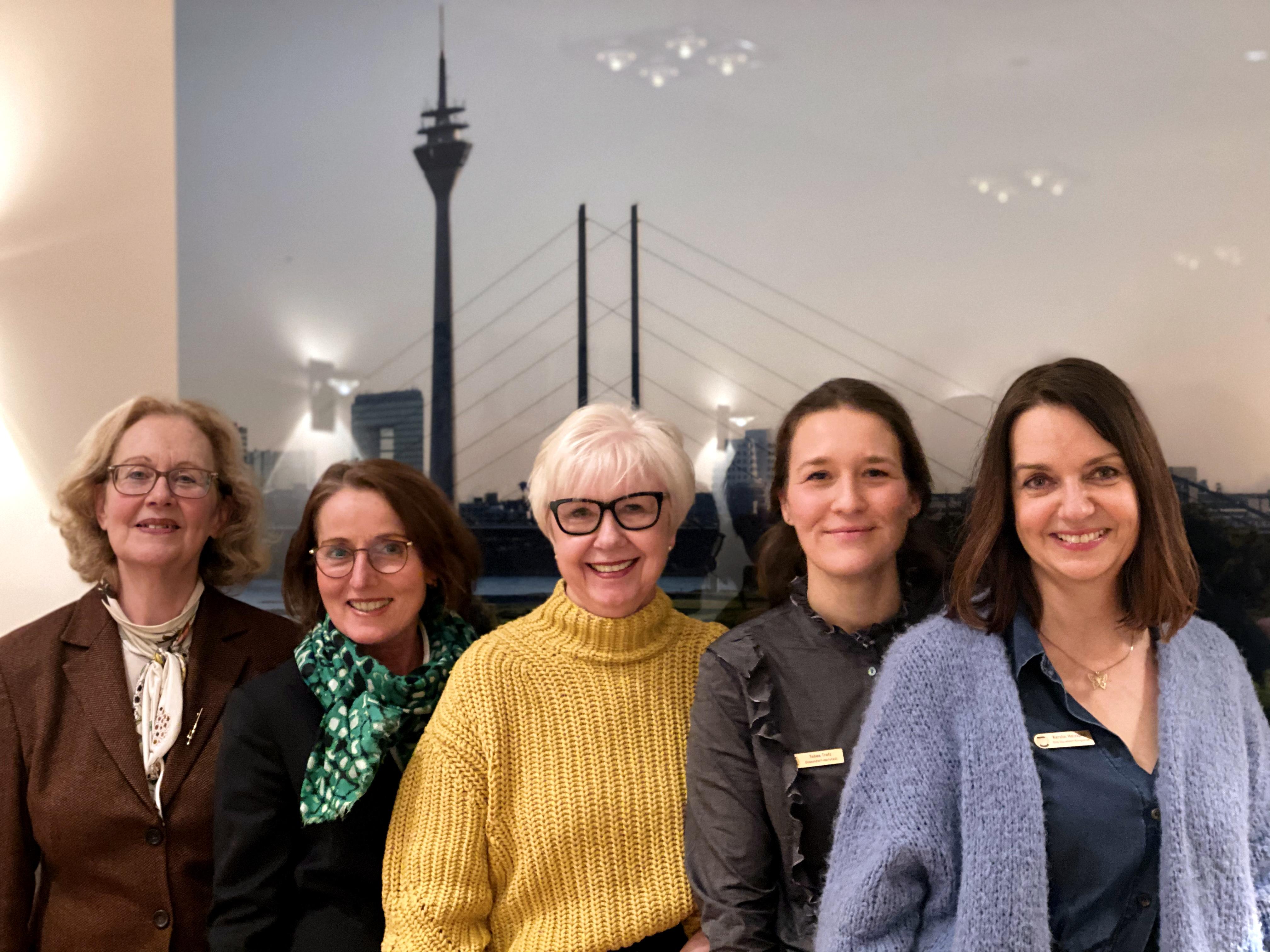 Die Präsidentinnen der Düsseldorfer SI Clubs